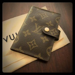 SPECIAL SALE LV gently used credit card case